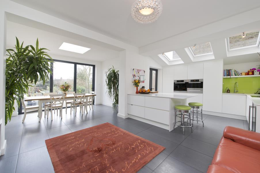 5 Bedrooms House for rent in Wrentham Avenue, Queen's Park NW10