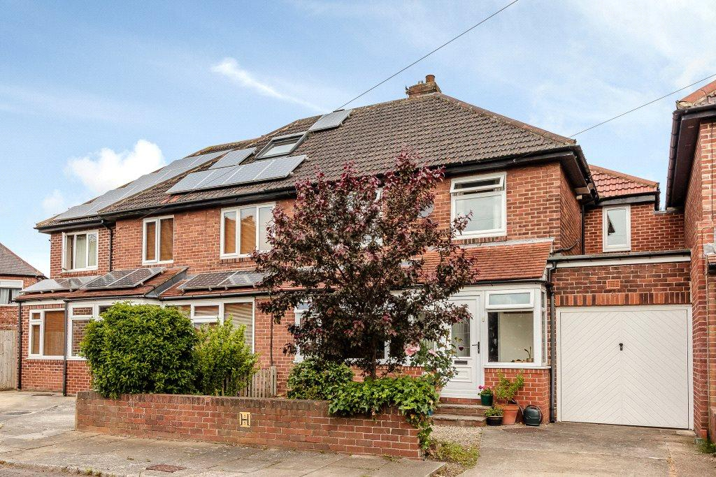 4 Bedrooms Semi Detached House for sale in Tudor Wynd, Heaton, Newcastle Upon Tyne, Tyne Wear