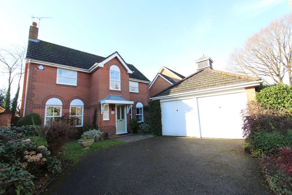 4 Bedrooms Detached House for sale in Greytree Crescent, Dorridge