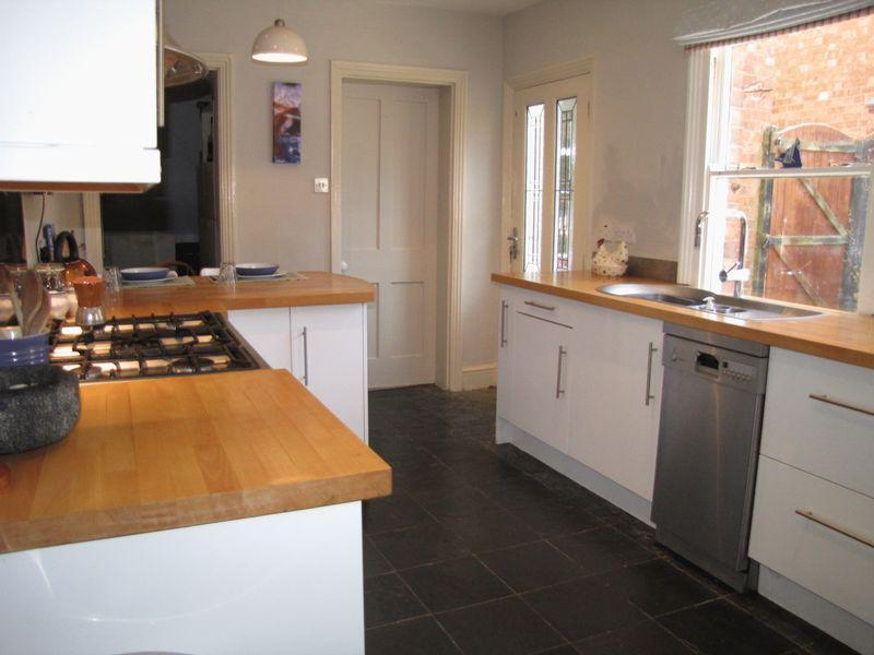 3 Bedrooms End Of Terrace House for sale in North Street, Milton Keynes