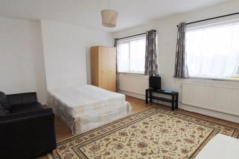 1 bedroom flat share to rent - Double Room on Ruislip Road, Greenford