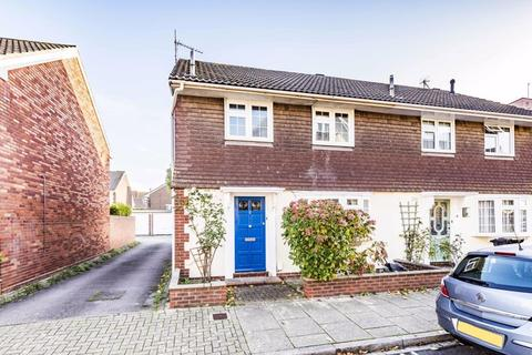 3 bedroom semi-detached house to rent - King Charles Street, Old Portsmouth