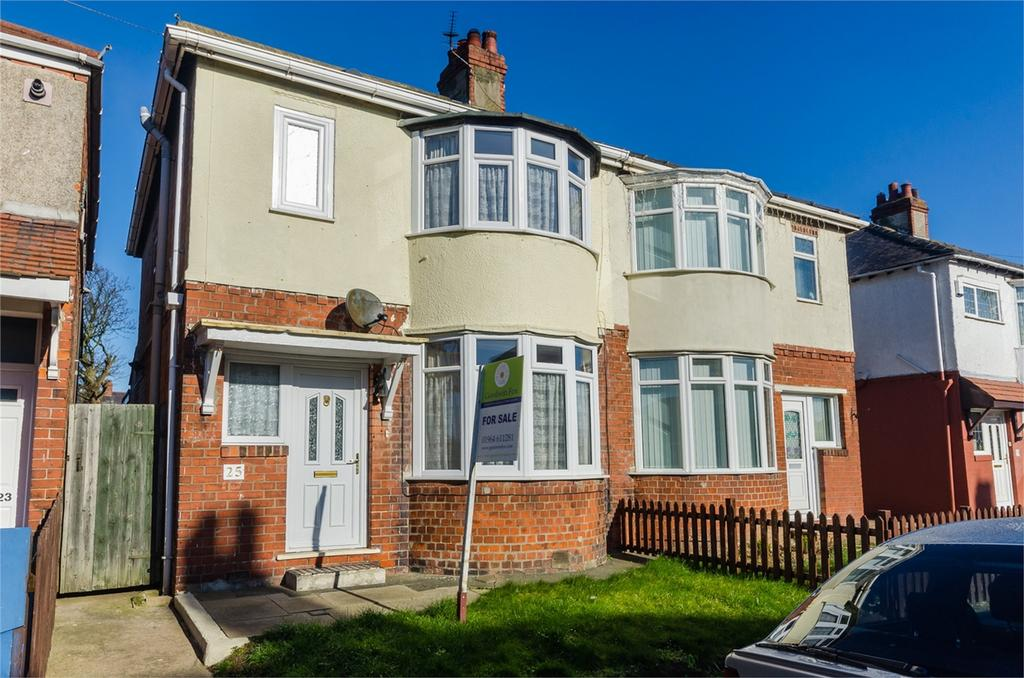 3 Bedrooms Semi Detached House for sale in Louville Avenue, WITHERNSEA, East Riding of Yorkshire