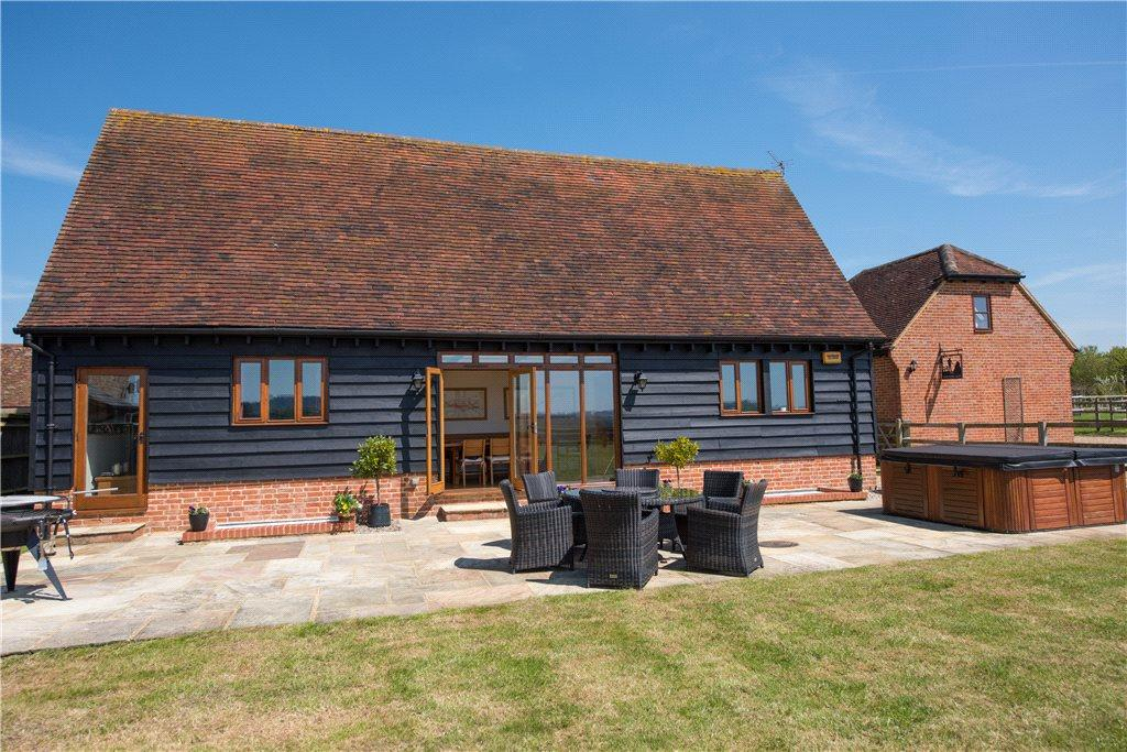 5 Bedrooms Unique Property for sale in Station Road, Quainton, Aylesbury, Buckinghamshire