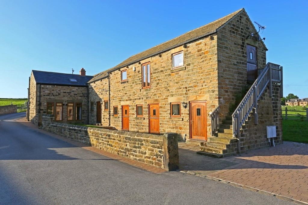 5 Bedrooms Barn Conversion Character Property for sale in Overtown Court The Balk, Walton