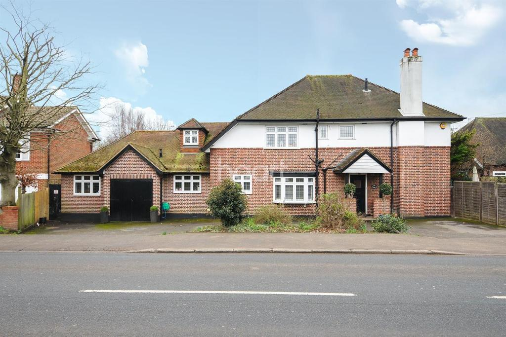 5 Bedrooms Detached House for sale in Shepperton Road, Laleham