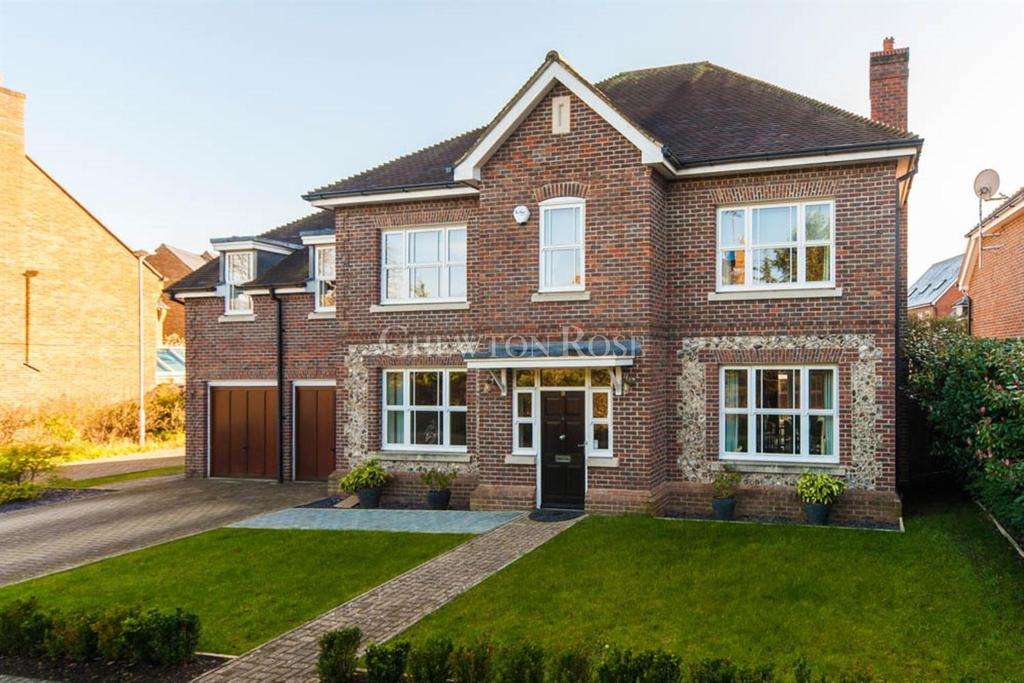 5 Bedrooms Detached House for sale in Highgrove Avenue