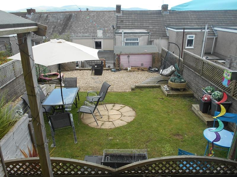 2 Bedrooms Terraced House for sale in Burrows Road, Skewen, Neath, Neath Port Talbot.