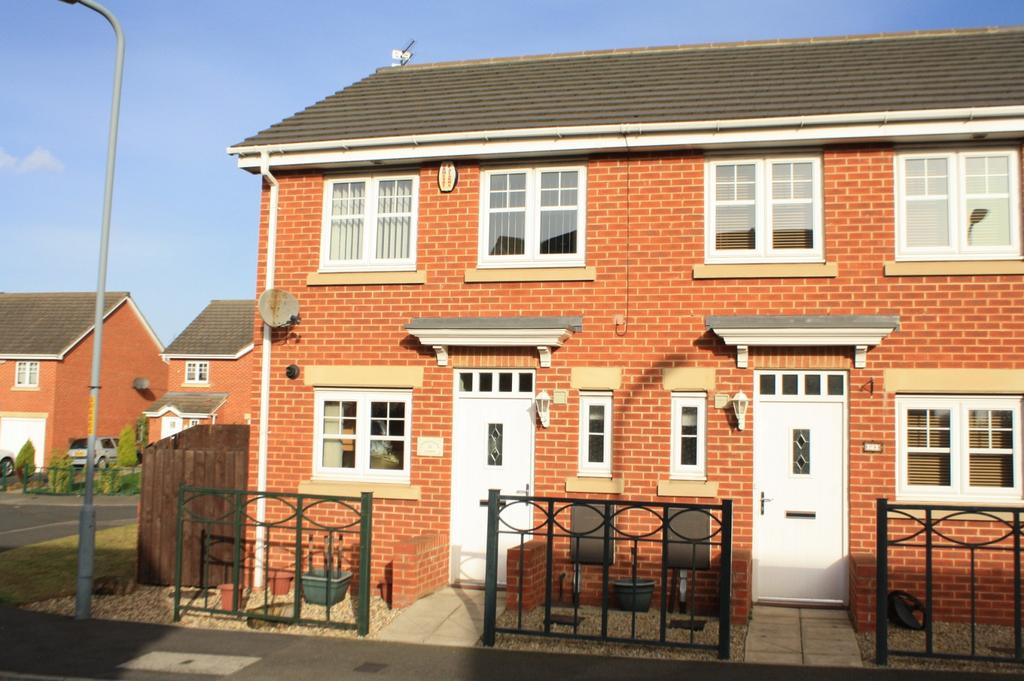 2 Bedrooms Semi Detached House for sale in Wensleydale Gardens, Thornaby, Stockton-On-Tees, TS17