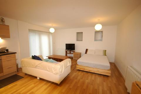 Studio to rent - Royal James House, Admiralty Road