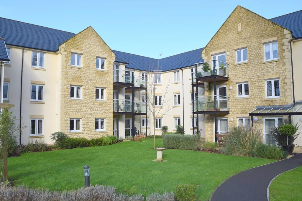 1 Bedroom Retirement Property for sale in Holmcroft Court, Charlton Road