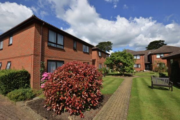 2 Bedrooms Retirement Property for sale in Greville Court Greville Park Road, Ashtead, KT21