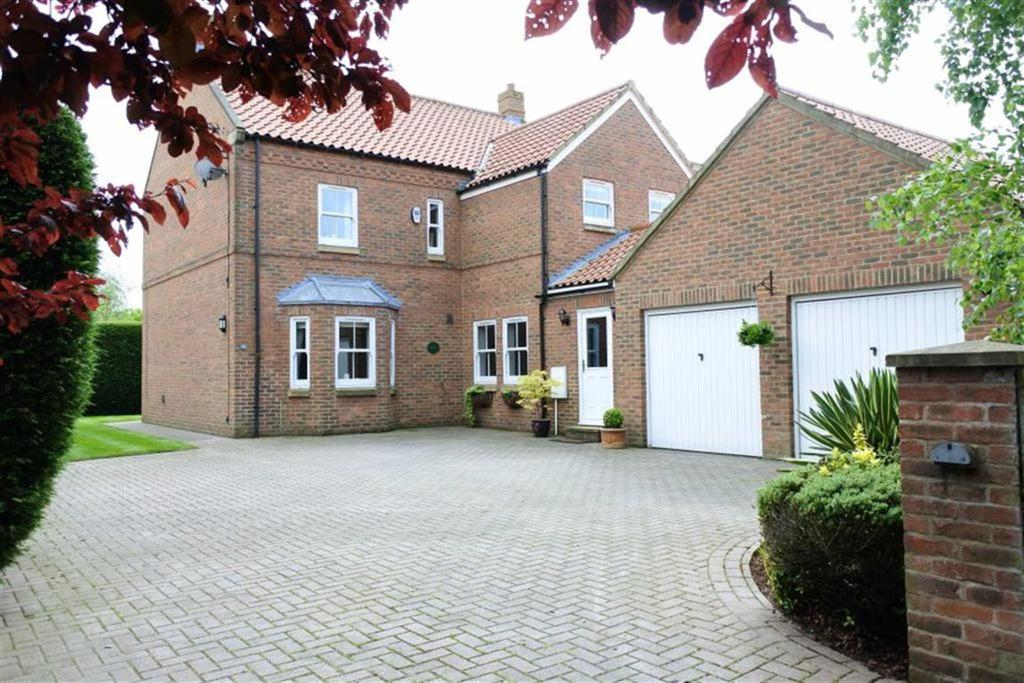 5 Bedrooms Detached House for sale in Stags Way, Richmond, North Yorkshire