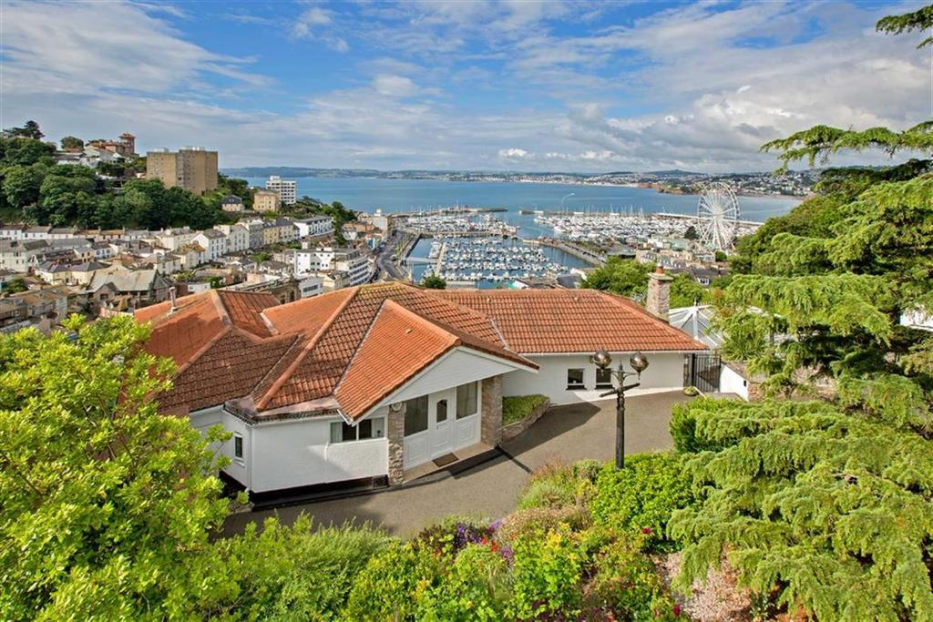 4 Bedrooms Detached House for sale in Braddons Hill Road East, Torquay, TQ1