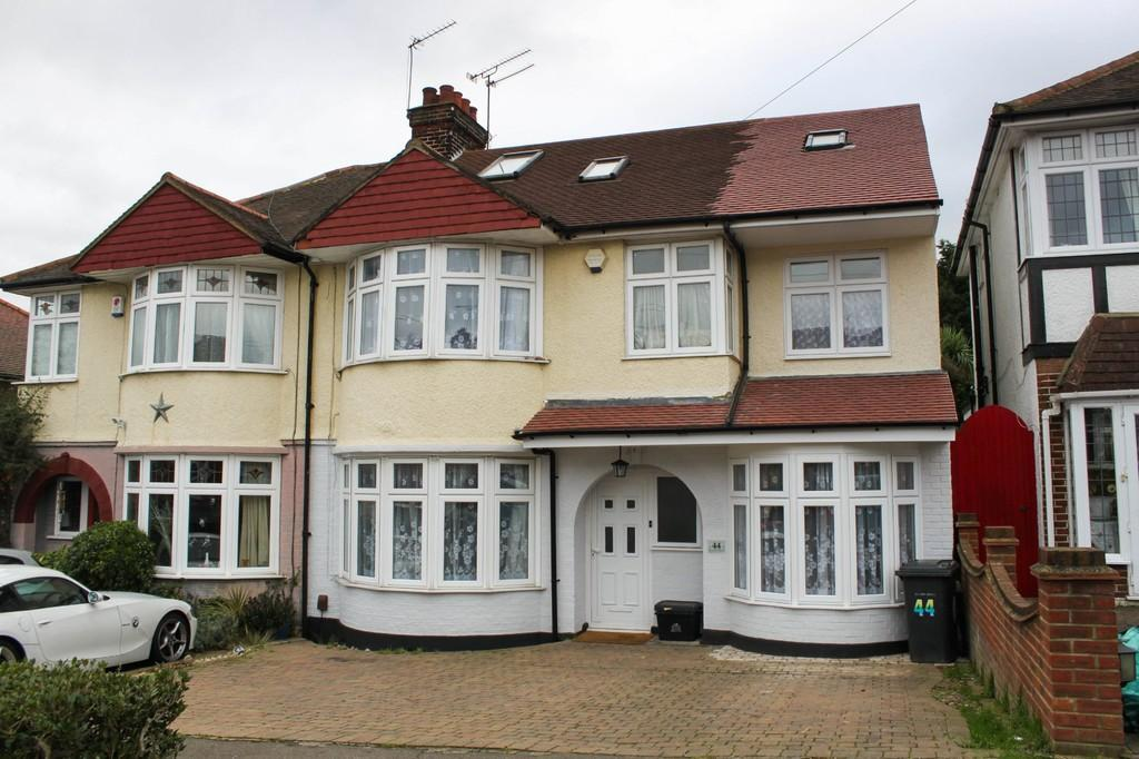 5 Bedrooms Semi Detached House for sale in Beverley Crescent, Woodford Green