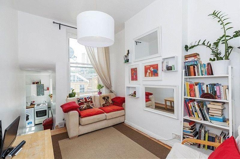 3 Bedrooms Flat for sale in Charteris Road, Kilburn NW6