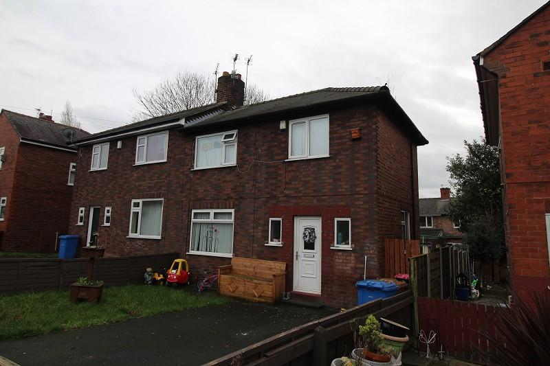 2 Bedrooms Semi Detached House for sale in Grasmere Road, Swinton, Manchester, Greater Manchester. M27 5WR