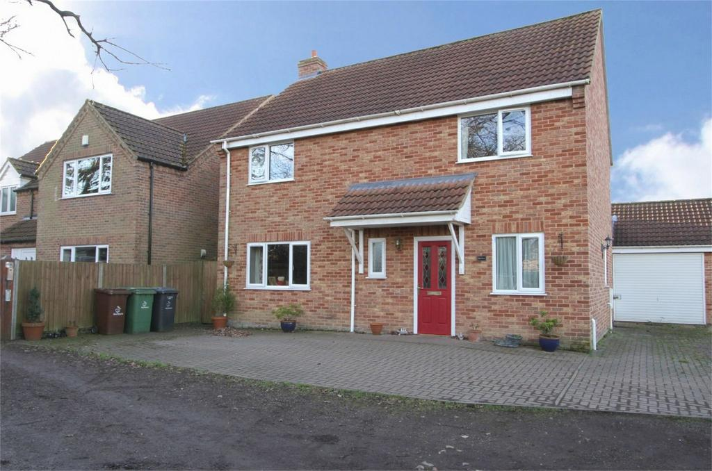 5 Bedrooms Detached House for sale in Stone Road, Toftwood, Norfolk