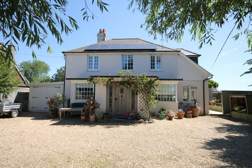 4 Bedrooms Detached House for sale in Ningwood, Isle of Wight