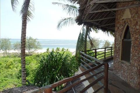 6 bedroom property with land  - Watamu