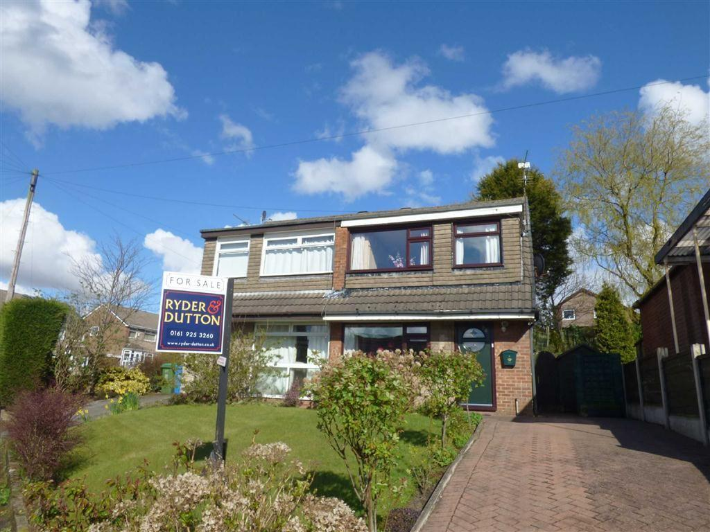 3 Bedrooms Semi Detached House for sale in Helston Drive, Royton, Oldham, OL2