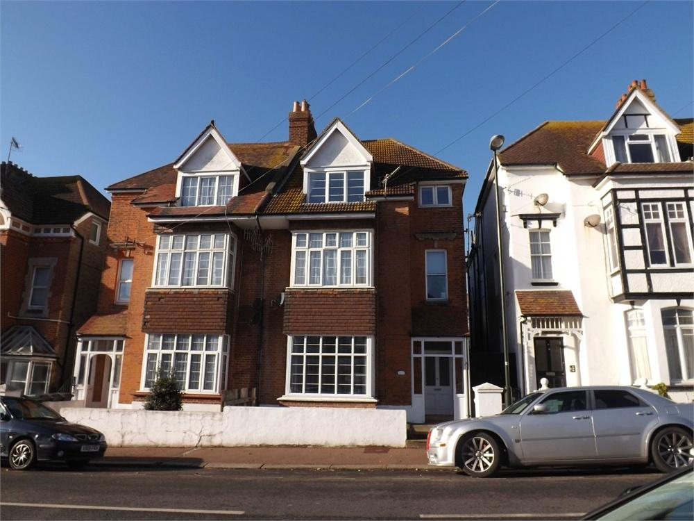 2 Bedrooms Flat for rent in Sea Road, Bexhill-on-Sea, East Sussex