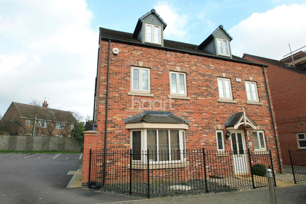 4 Bedrooms Semi Detached House for sale in Levertons Place, Hucknall