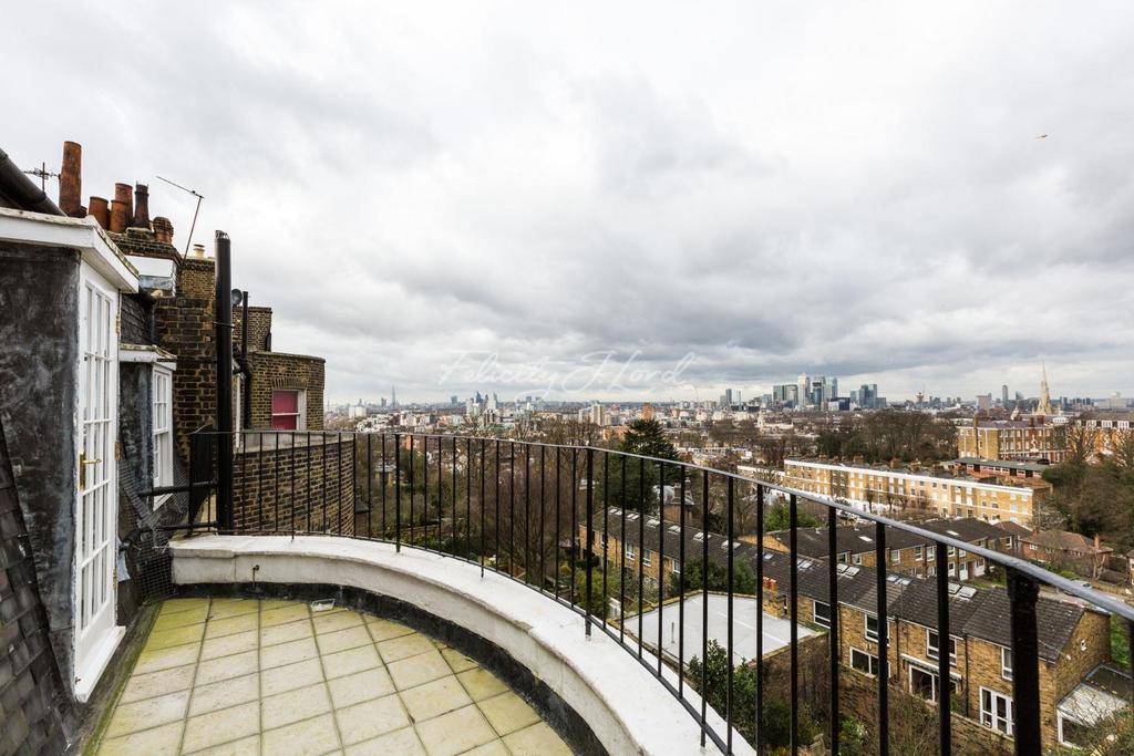 2 Bedrooms Flat for sale in West Grove, Greenwich, London, SE10