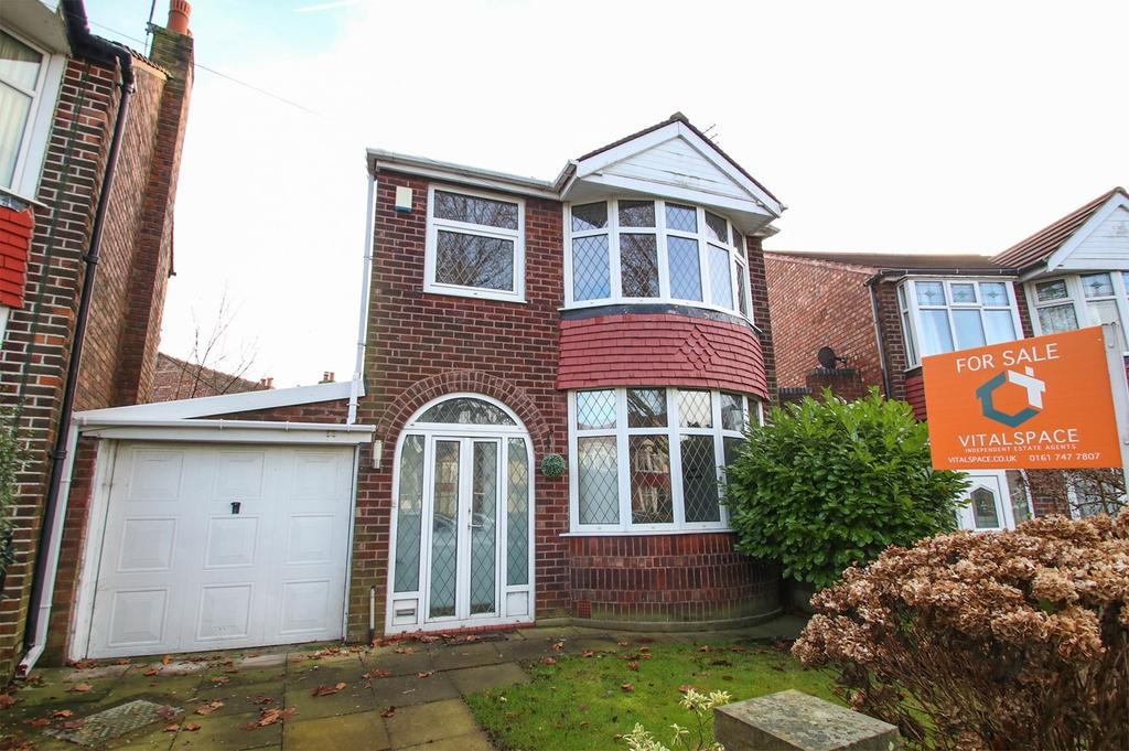 3 Bedrooms Detached House for sale in Ambleside Road, Flixton, Manchester, M41