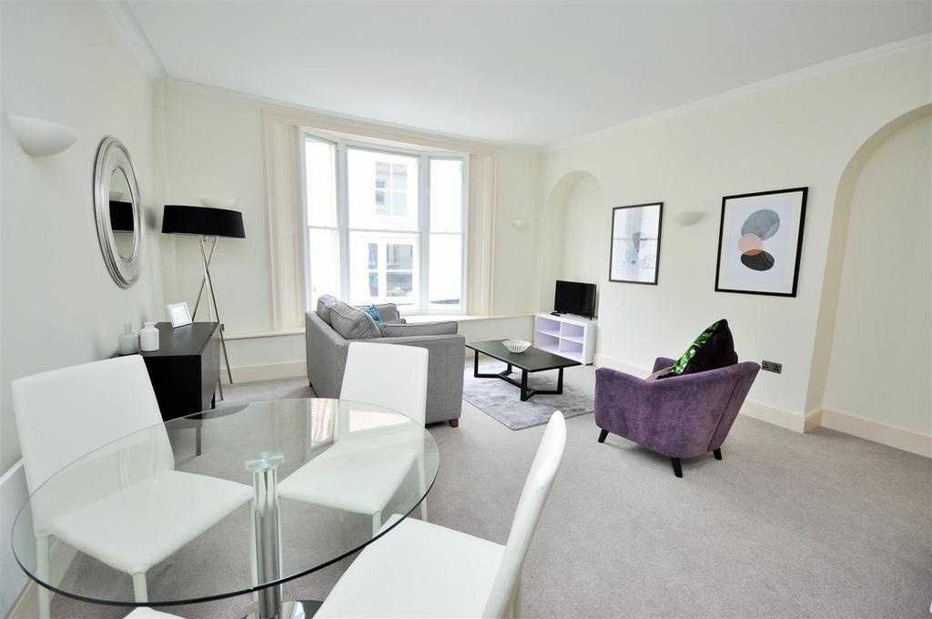 1 Bedroom Apartment Flat for sale in Apt 1,Hunter House, Goodramgate, York (Access Also Off St Andrewgate )