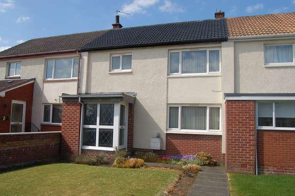 3 Bedrooms Terraced House for sale in 48 Loch Road, Mauchline, KA5 6EF