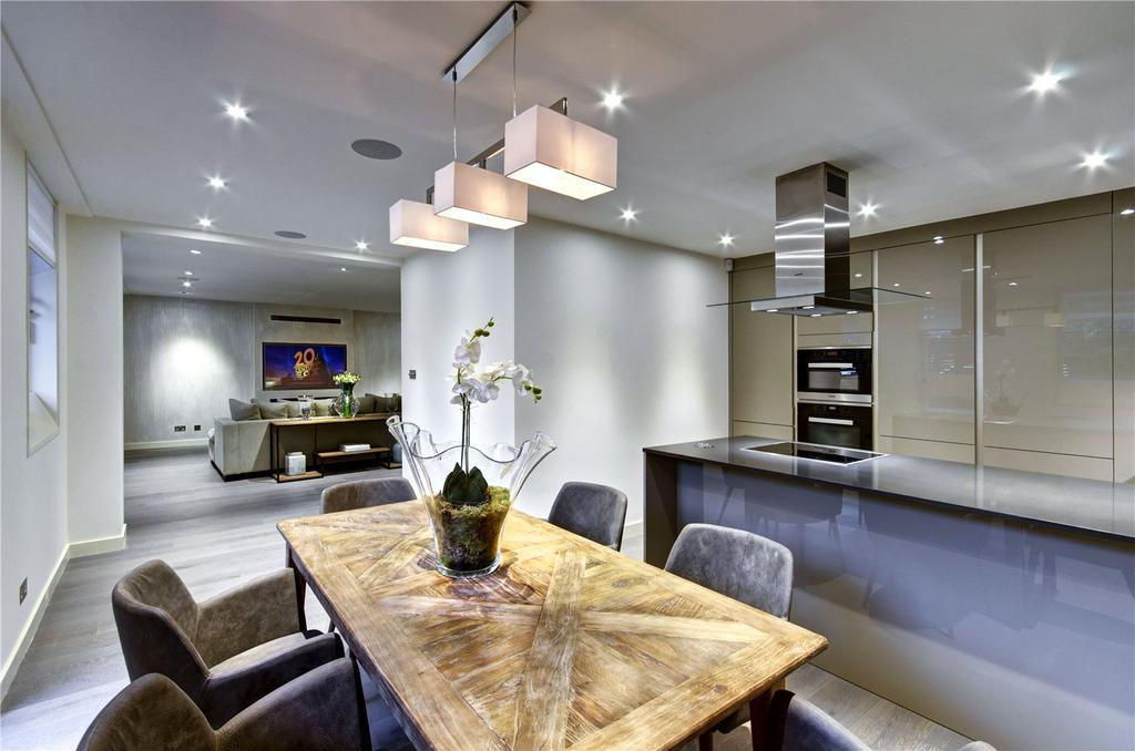 3 Bedrooms Apartment Flat for sale in Queen Anne Street, Marylebone, W1G