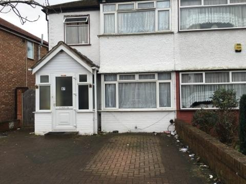 3 Bedrooms House for sale in Fairholme Crescent, Hayes, UB4