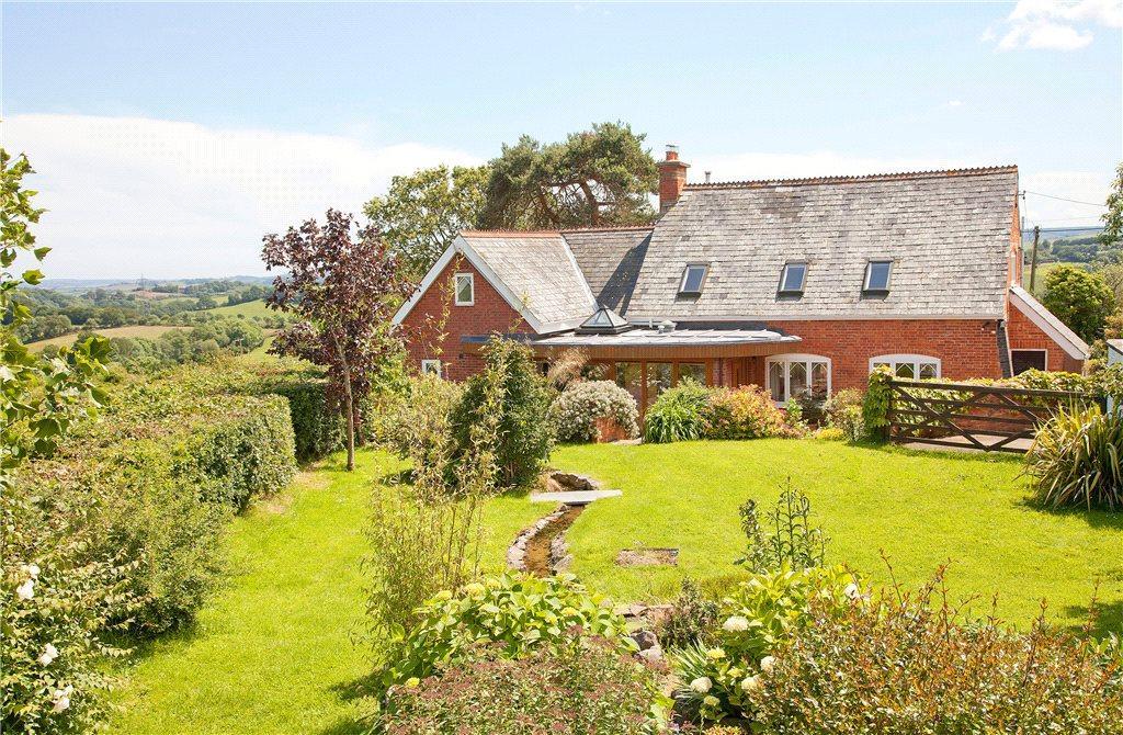 4 Bedrooms Detached House for sale in Nadderwater, Exeter, Devon, EX4