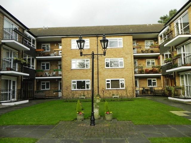2 Bedrooms Ground Flat for sale in Hawthornden Court,Penns Lane,Walmley
