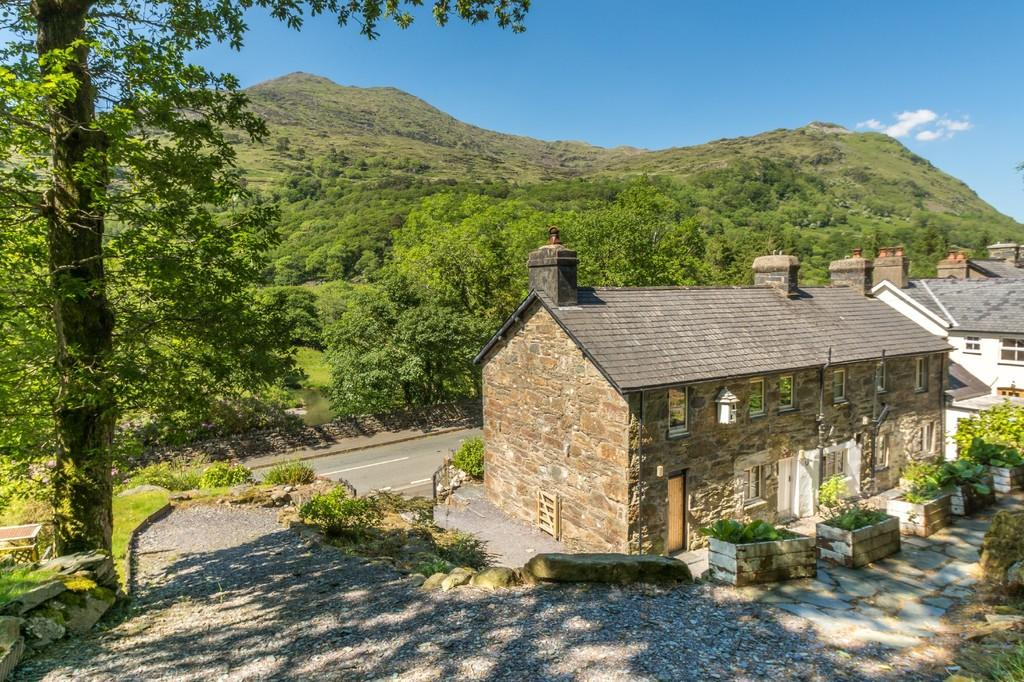 5 Bedrooms Detached House for sale in Nant Gwynant, Caernarfon, North Wales