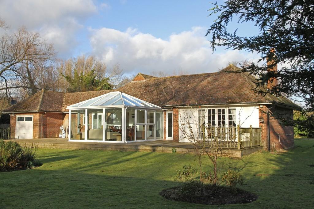 3 Bedrooms Detached Bungalow for sale in Canal Bank, Pett Level, East Sussex TN35 4HF