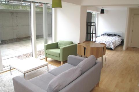 Studio to rent - Saxton, The Avenue, Leeds, West Yorkshire, LS9
