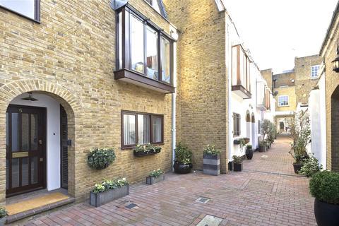 2 bedroom mews for sale - Bowland Yard, Kinnerton Street, Knightsbridge, London, SW1X