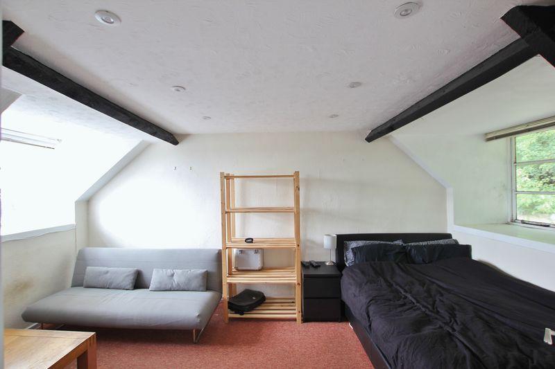 Sitiing/Bedroom