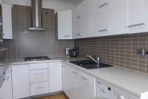 2 bedroom flat to rent - Brunswick Terrace - P1224