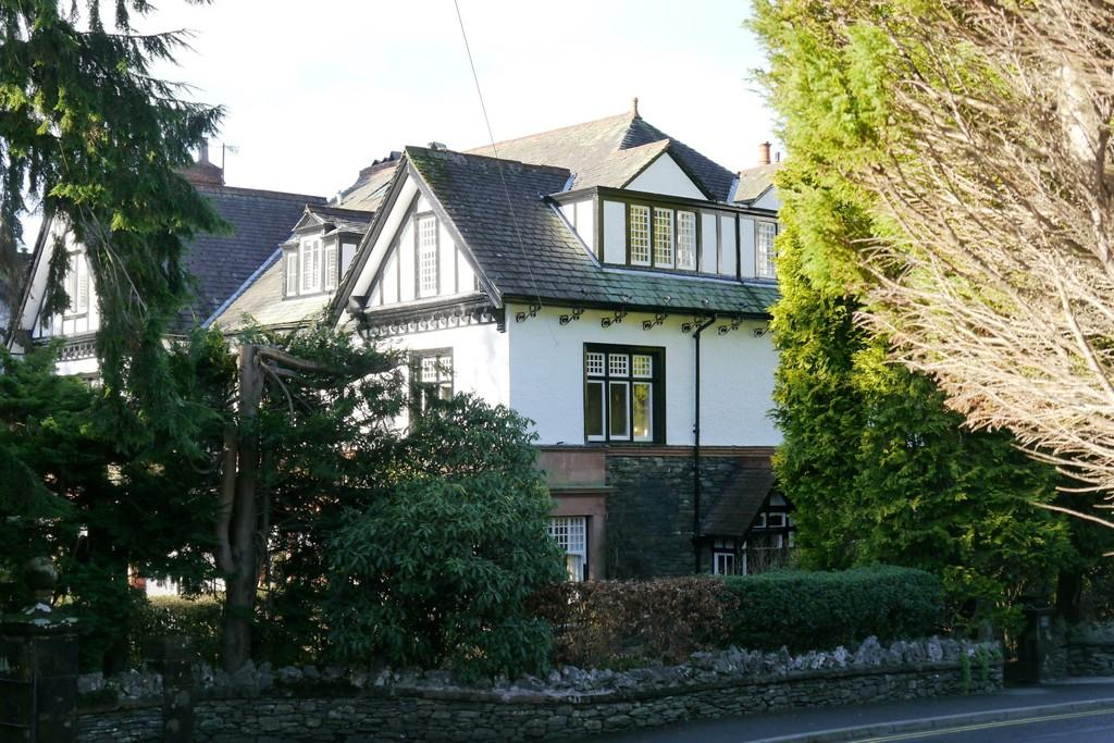 5 Bedrooms House for sale in The Firs, Kendal Road, Bowness-on-Windermere, LA23 3EW