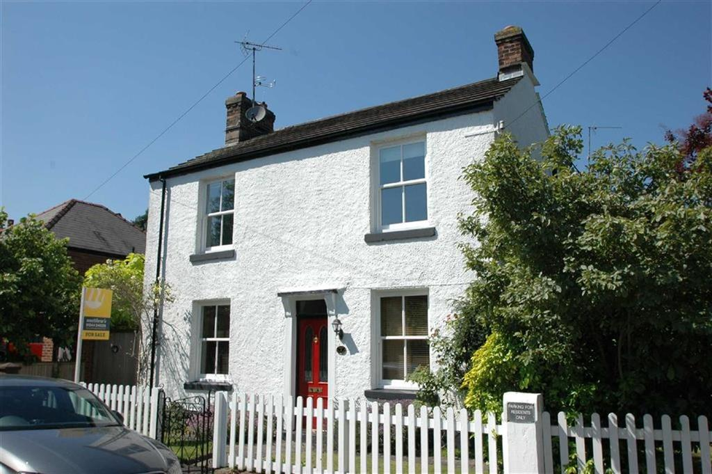 4 Bedrooms Detached House for sale in Private Walk, Boughton, Chester