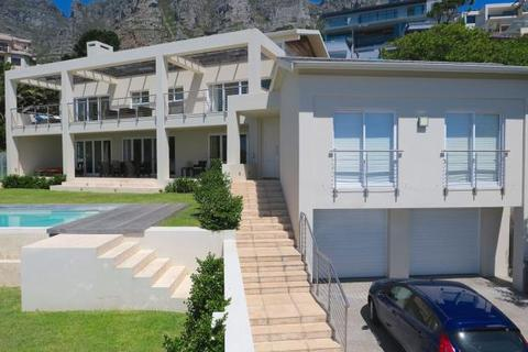 4 bedroom detached house  - Ultra Modern Home, Barabara Road, Camps Bay, Cape Town