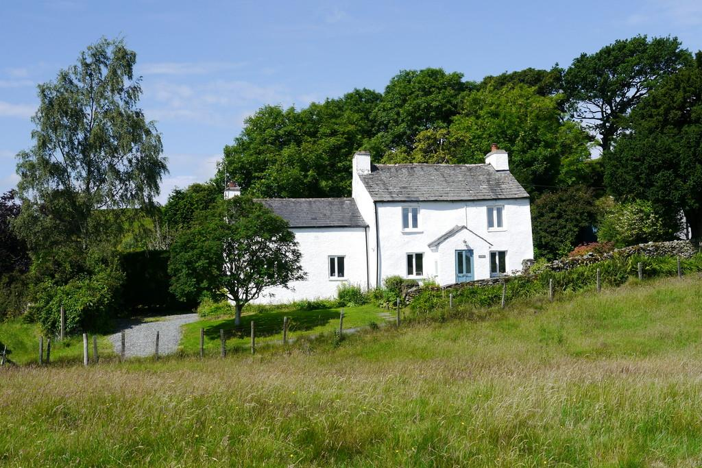 2 Bedrooms Cottage House for sale in Low Longmire, Oxen Park, Ulverston, LA12 8HQ