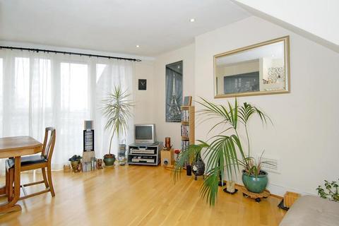 2 bedroom flat to rent - Petherton Road, Newington Green, London