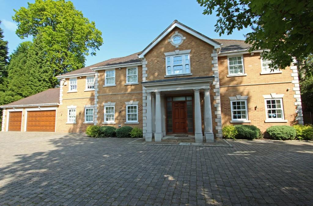 6 Bedrooms Detached House for sale in Beech Drive, Kingswood