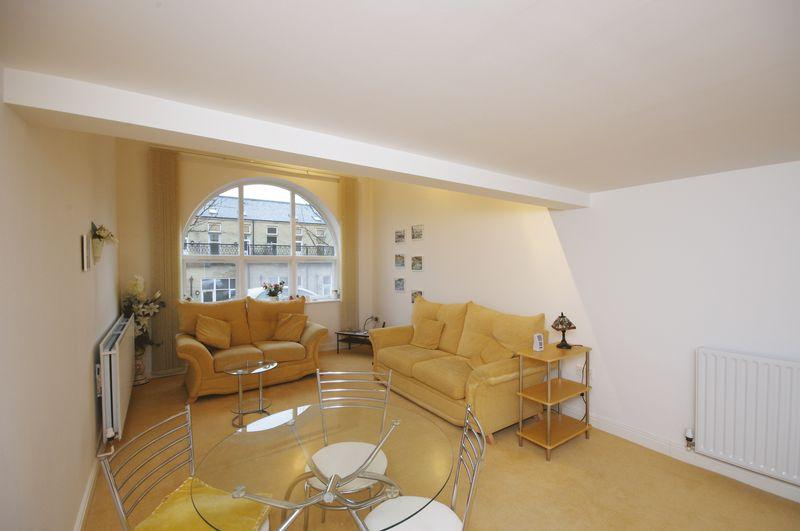1 Bedroom Apartment Flat for sale in 2 Whitaker House Apartments, Savile Park, HX1 2NX