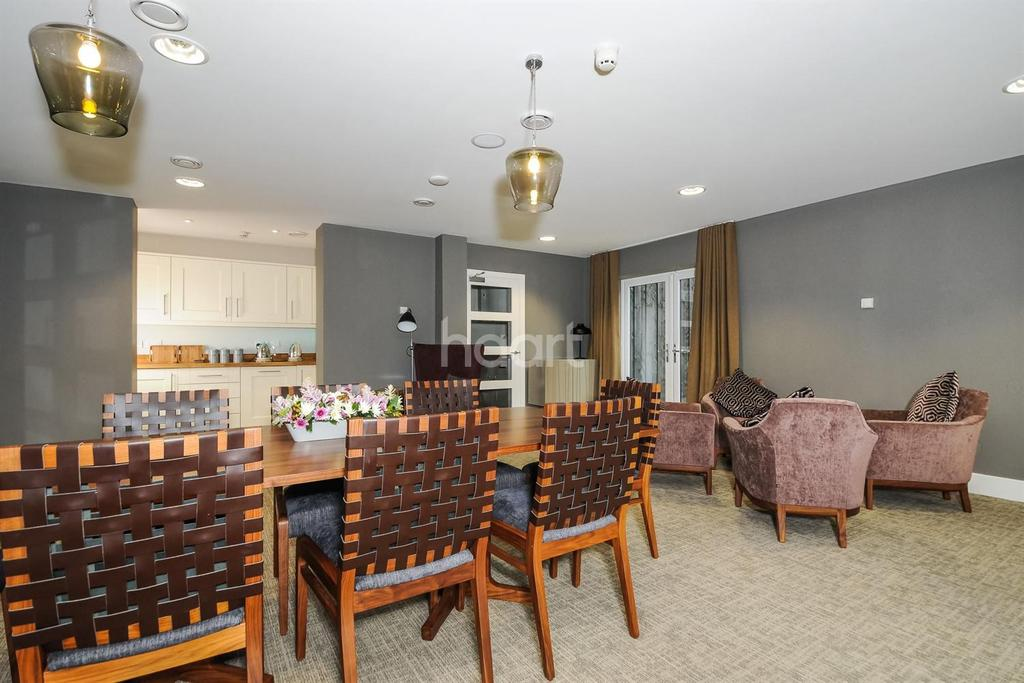 2 Bedrooms Flat for sale in The Maltyard, Old Maltings Approach