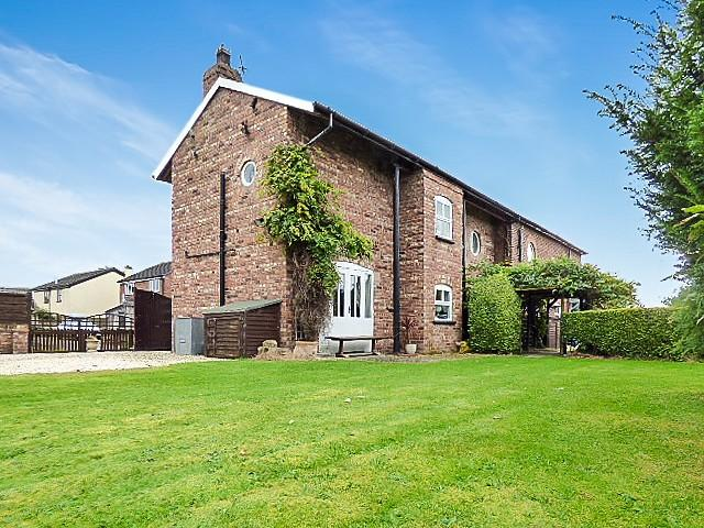 4 Bedrooms Barn Character Property for sale in Millhouse Lane, Warrington